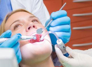 Wizyta u stomatologa przed wyjazdem na wakacje