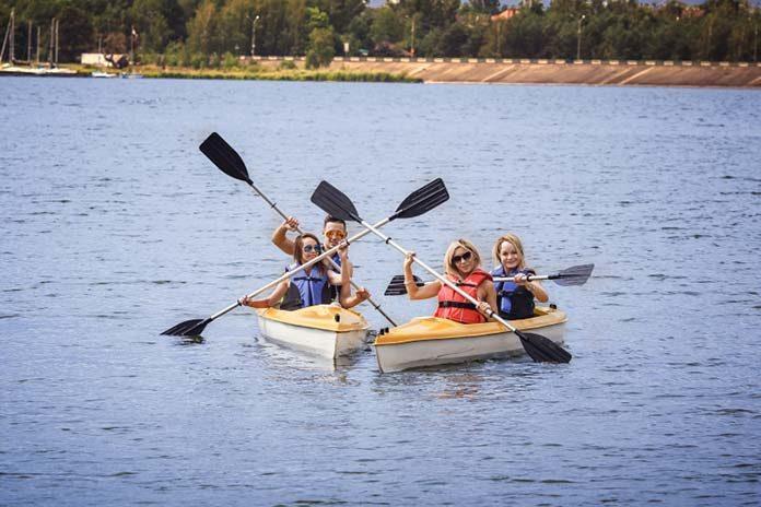 Marzysz już o wakacjach? Zabierz rodzinę na urlop nad jeziorem