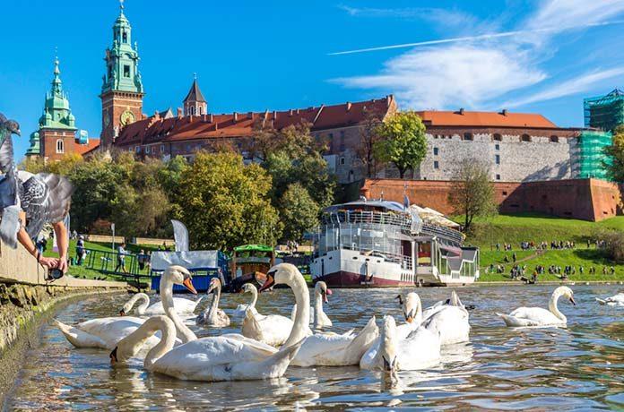 Kraków miastem turystów - noclegi dla każdego